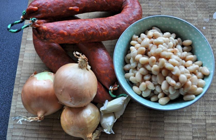 onion garlic bean chorixo