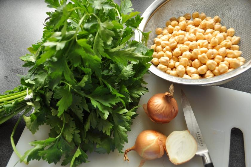 chickpeas parsley onion